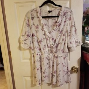 Torrid, Floral, Ruffled blouse, Size 2, EUC